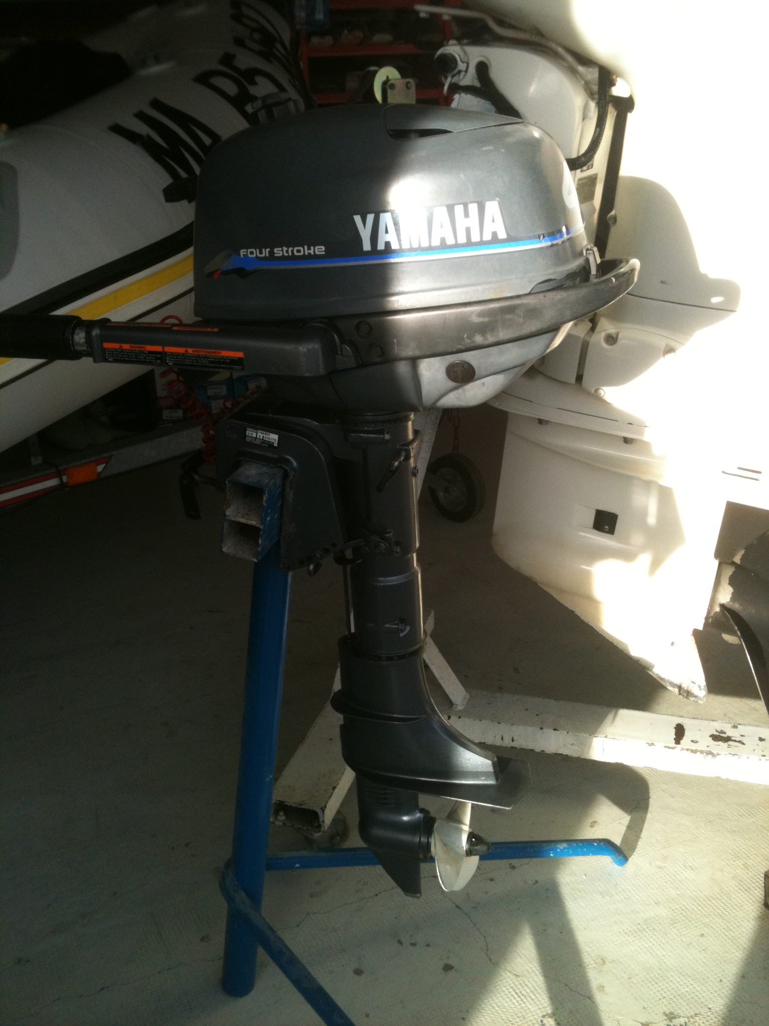 yamaha f4amhs vente de moteur bateau d 39 occasion figaro nautisme. Black Bedroom Furniture Sets. Home Design Ideas