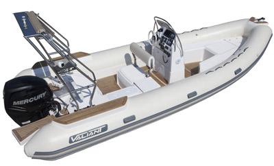Valiant 685 Classic, élu bateau de l'année par Vela e Motore